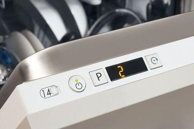 Indesit DIFP 8B+96 Z Dishwasher