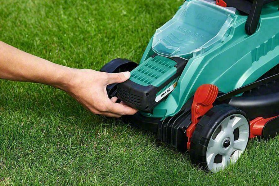 Bosch Rotak 32 Li Lawn Mower