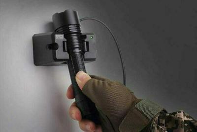 Fenix RC20 Flashlight