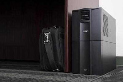 APC Smart-UPS SMT3000IC UPS