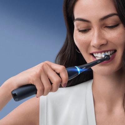 Oral-B iO Series 8s Elektrische Zahnbürste