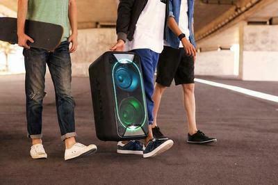 Sony GTK-XB90 wireless speaker