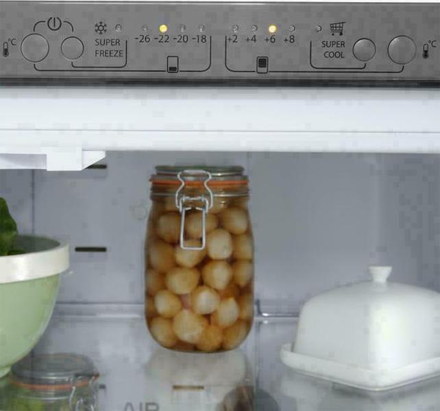 Hotpoint FFU4DX refrigerator