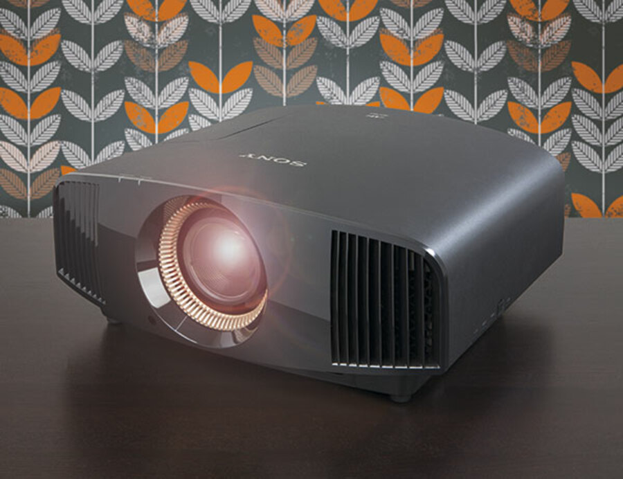 Sony VPL-VW570ES Sony VPL-VW570ES 4K HDR projector review